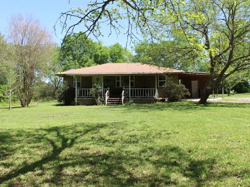 Little Country Cottage : De Kalb : Bowie County : Texas