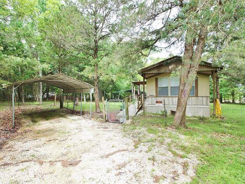 Off Water Lake Limestone Home : Jewett : Limestone County : Texas