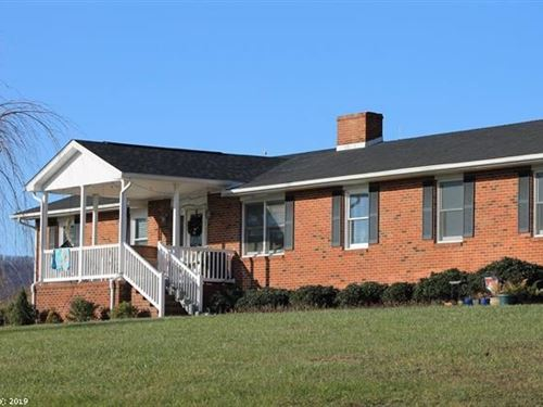 Brick Ranch Home Minutes From Town : Floyd : Virginia