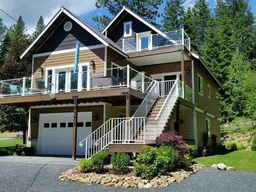 Idaho Secondary Waterfront Home : Coeur D'alene : Kootenai County : Idaho