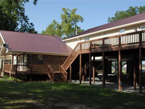 Maddox Bay Lodge For Sale Adjacent : Holly Grove : Monroe County : Arkansas