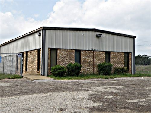 Commercial Property Lease Palestine : Palestine : Anderson County : Texas