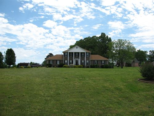 Beautiful Country Home Tn, Pool : Savannah : Hardin County : Tennessee
