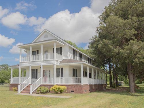 Renovated Farm House Creek Acreage : Elizabeth City : Pasquotank County : North Carolina