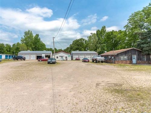5500 Sq Ft Building on 5 Acres For : Poplar Bluff : Butler County : Missouri