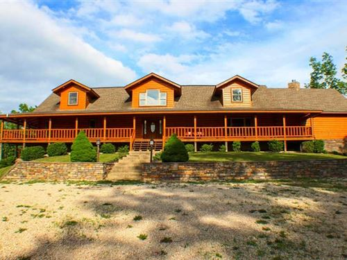 Large Custom Log Home on 5 Acres : Van Buren : Carter County : Missouri