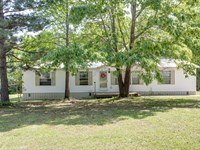 Country Home Acreage Lewis County : Hohenwald : Lewis County : Tennessee