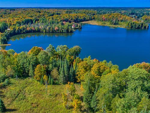 Private Acreage On Beautiful Lake : Presque Isle : Vilas County : Wisconsin
