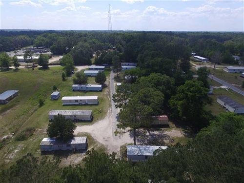 208 NE Drive-In Trailer Park Loop : Madison : Florida