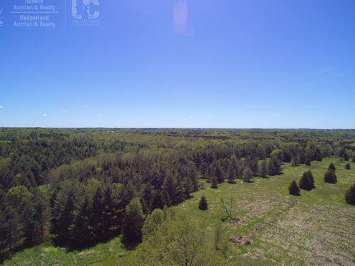 Premier Estate Vacant Land Parcel : Hartford : Washington County : Wisconsin