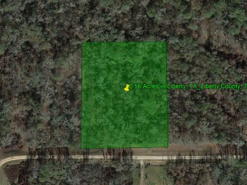 2.56 Acres Of Private Land Outside : Liberty : Texas