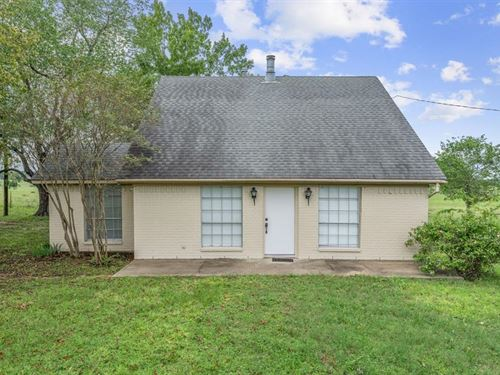 Charming Cottage In The Country : Midway : Madison County : Texas