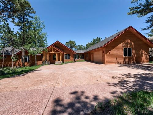 Mountain Retreat in Rocky Mountains : Red Feather Lakes : Larimer County : Colorado
