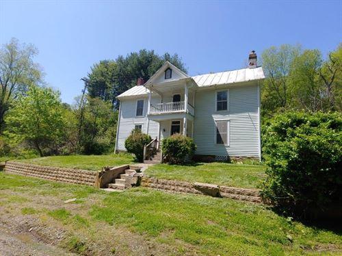 Farmhouse Near River in Floyd VA : Floyd : Virginia