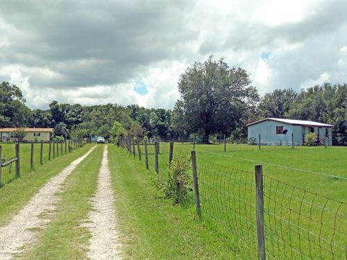 Two Mobile Homes 12 Acres Lake : Lake City : Columbia County : Florida