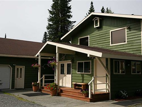 One of The Finest Lodges ON The KE : Soldotna : Kenai Peninsula Borough : Alaska