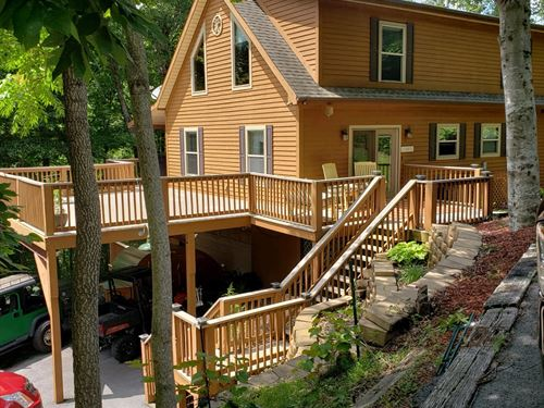 Cedar Sided Home On 16+ Acres : New Tazewell : Claiborne County : Tennessee