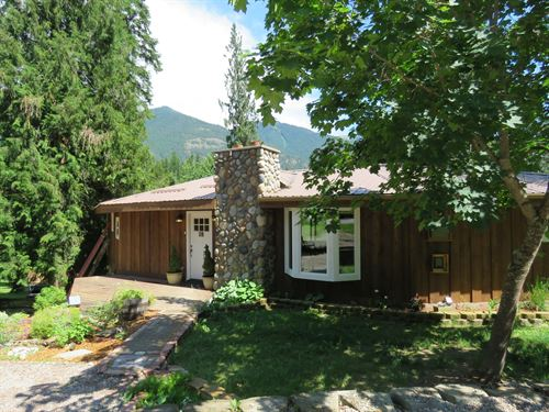 Bull Lake Living : Troy : Lincoln County : Montana