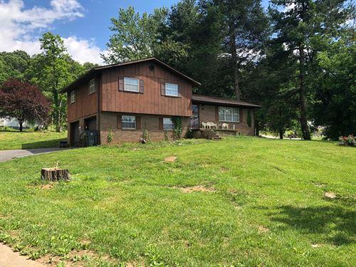 Split Level Home 1 Acre Morristown : Morristown : Hamblen County : Tennessee