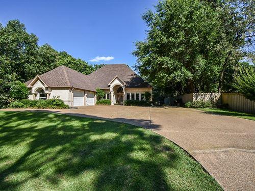 Beautiful 4 Bedroom Home W Views : Flint : Smith County : Texas