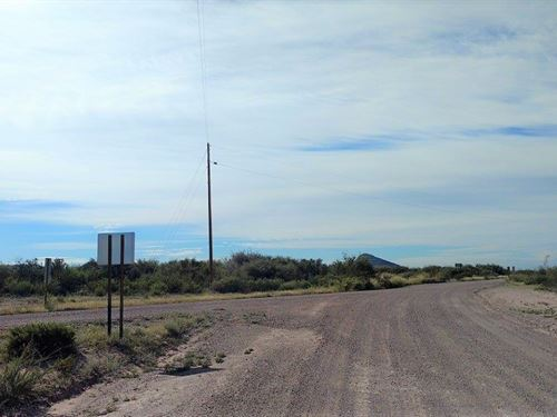 Beautiful Corner Lot With Power : McNeal : Cochise County : Arizona