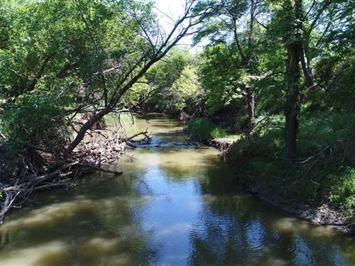 7 Acres of Beautiful Creek Bott : Ellis : Kansas