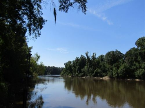Waterfront Camp House In Pearl Rive : Picayune : Pearl River County : Mississippi