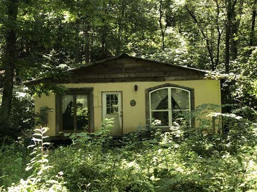 Secluded Creek Front Property on : Clinton : Van Buren County : Arkansas