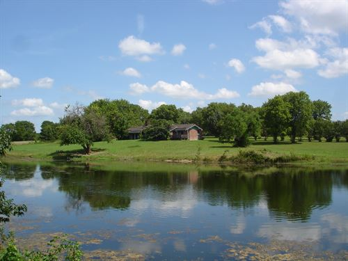 Country Lakefront Home Property : Clarksville : Red River County : Texas