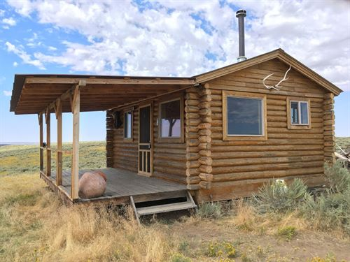 Little Snake Overlook Hunting Cabin : Savery : Carbon County : Wyoming