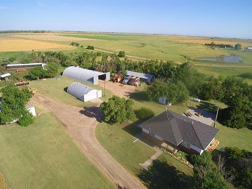 Farmstead SE of Gorham : Gorham : Russell County : Kansas
