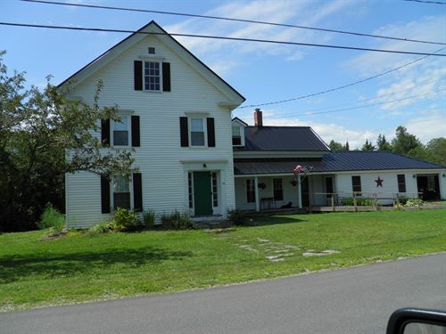 New England Farmhouse in Maine : Sherman : Aroostook County : Maine