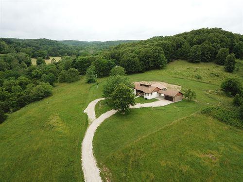Beautiful Home With Views Missouri : Seymour : Webster County : Missouri
