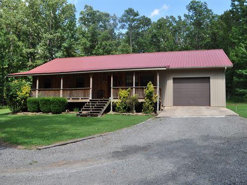 Beautiful Country Home Close to : Clinton : Van Buren County : Arkansas