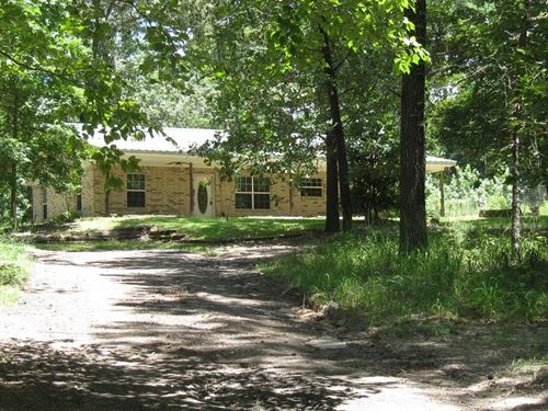 Very Private Property Located East : Frankston : Anderson County : Texas