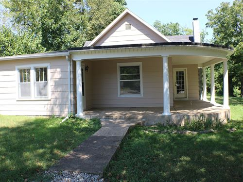 Updated Home a Huge Lot in Ava MO : Ava : Douglas County : Missouri