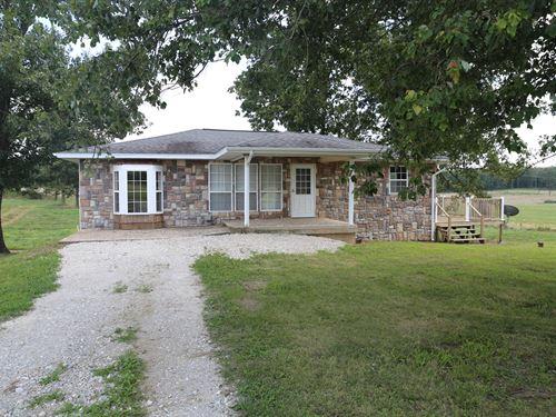Beautiful Hobby Farm in MO Ozarks : Pomona : Howell County : Missouri