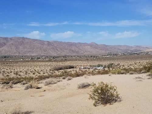 Beautiful Hilltop Property : Twentynine Palms : San Bernardino County : California