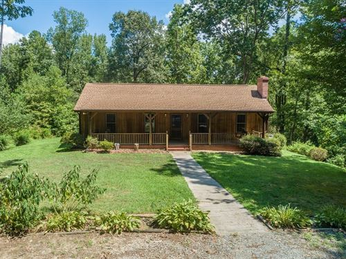 Private Waterfront Home Buggs : Buffalo Junction : Mecklenburg County : Virginia