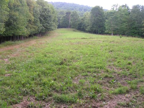 Private Recreation Land Borders : Wytheville : Wythe County : Virginia