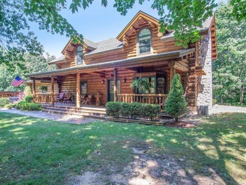 Log Home 20 Acres Horse Facilities : Ludington : Mason County : Michigan