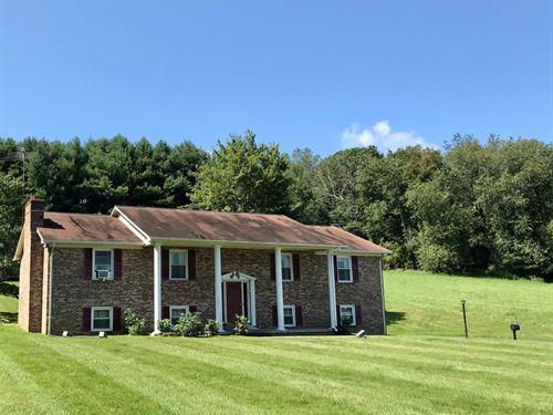 Beautiful Country Home in Floyd VA : Floyd : Virginia
