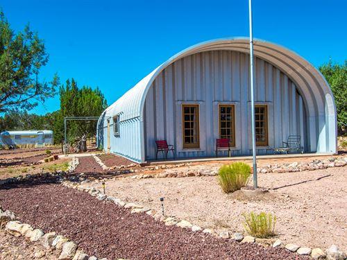 Off Grid Home Made of Quonset Hut : Seligman : Yavapai County : Arizona
