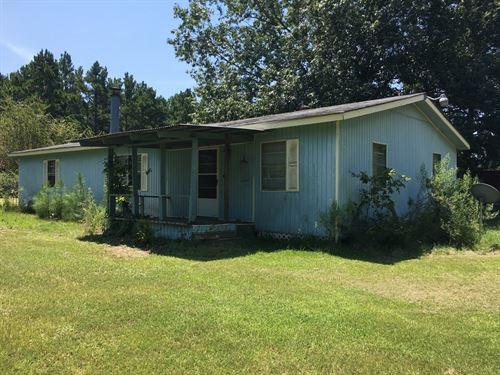 East Texas Country Home : Wells : Cherokee County : Texas