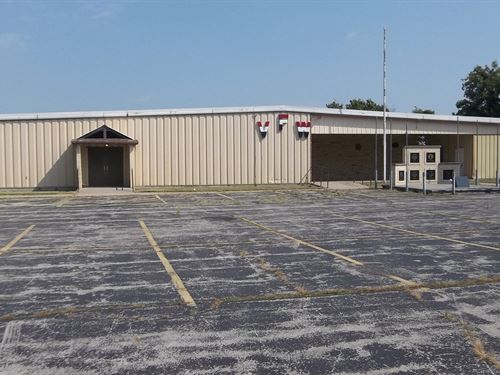 Commercial Building Acreage Chanute : Chanute : Neosho County : Kansas
