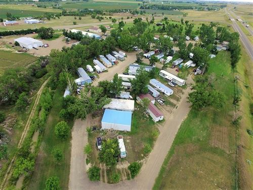 Mobile Home Park in Glendive, MT : Glendive : Dawson County : Montana