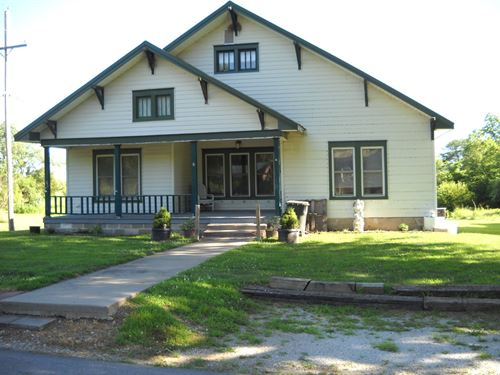 Home Town, 2 Bed / 2 Bath Shop 3 : Armstrong : Howard County : Missouri