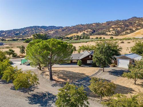 Northern California Farm Ranch Yolo : Capay : Yolo County : California