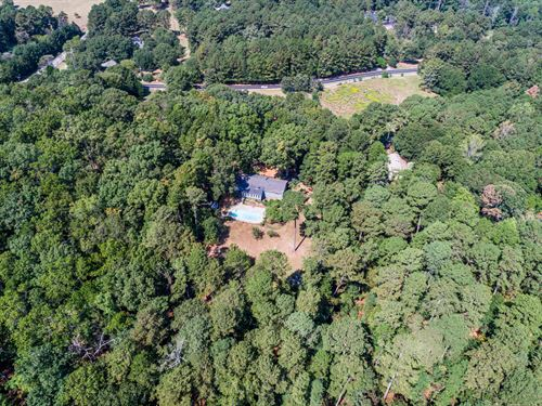 Ranch Home, Basement On 3+ Acres : Snellville : Gwinnett County : Georgia