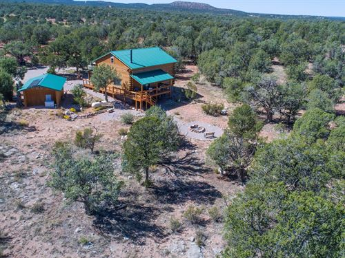 Log Cabin Off Grid Northern Arizona : Seligman : Yavapai County : Arizona